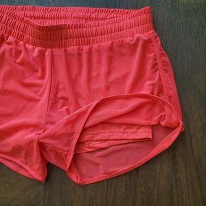 Daisy Fuentes Fit shorts, medium